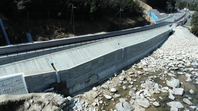 大津信楽線左岸下流道路改良工事